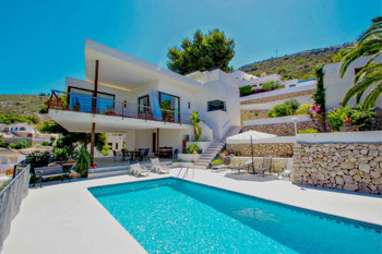 Modern holiday villa Laja for rent  located on the town of Moraira in Costa Blanca Spain