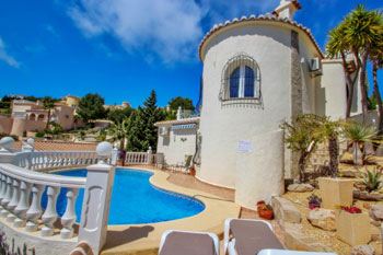 Villa Fina is a Costa Blanca holiday villa rentals property located on the town of Benitachell for rent villas in Spainish property